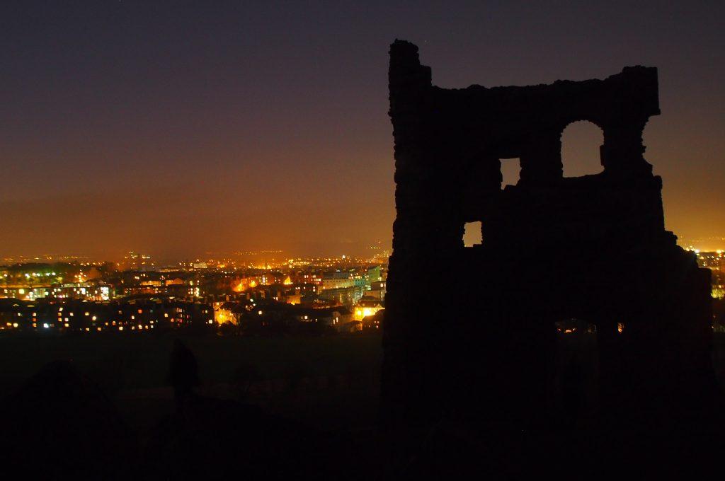 Edinburg bij nacht cathinca van sprundel